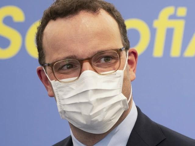 Jens Spahn mit Gesichtsmaske