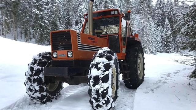 Ein Traktor.