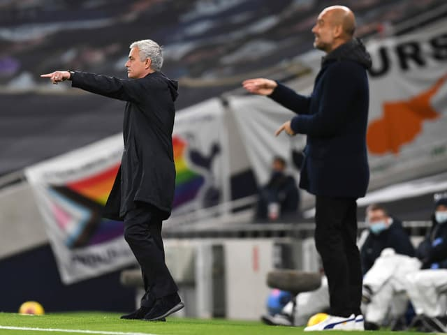 Jose Mourinho (links) und Pep Guardiola am Spielfeldrand