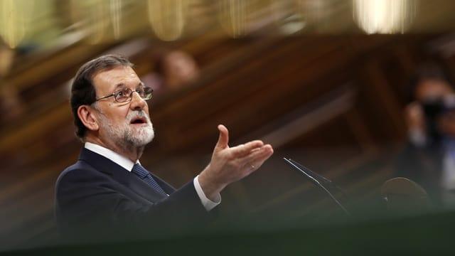 Rajoy discurra en il parlament.
