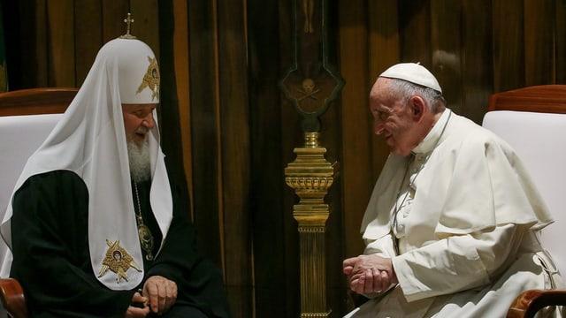 Papst Franziskus mit dem Patriarchen der russisch-orthodoxen Kirche Kirill.