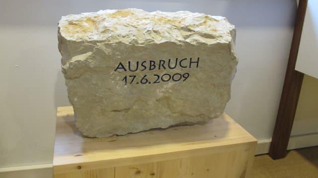 Der durch einen Häftling herausgebrochene Stein aus der Aussenmauer des Schaffhauser Gefängnisses.