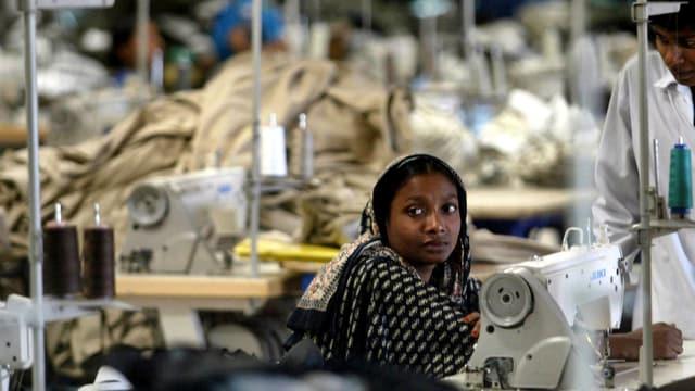 Textilarbeiterin in Bangladesch.