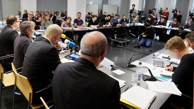 Viele Journalisten an der Medienkonferenz.