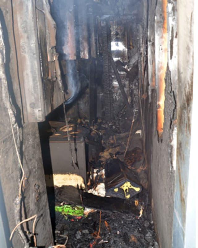 Ausgebrannter Lüftungsschacht im Hotel Glogghuis auf der Melchsee-Frutt.