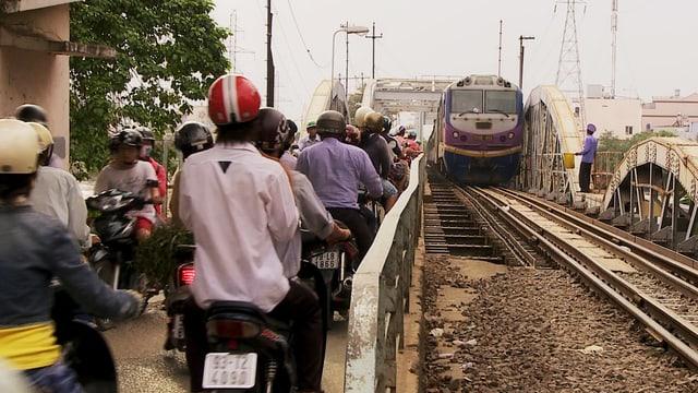 Video «Von Zügen und Menschen – Vietnam» abspielen