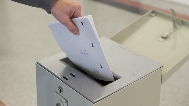 Urna da votaziun.