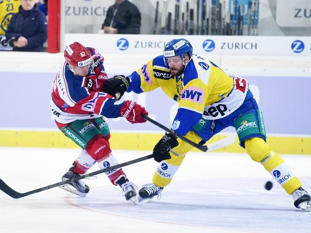 Jan Vogel im Duell mit Fabian Heldener