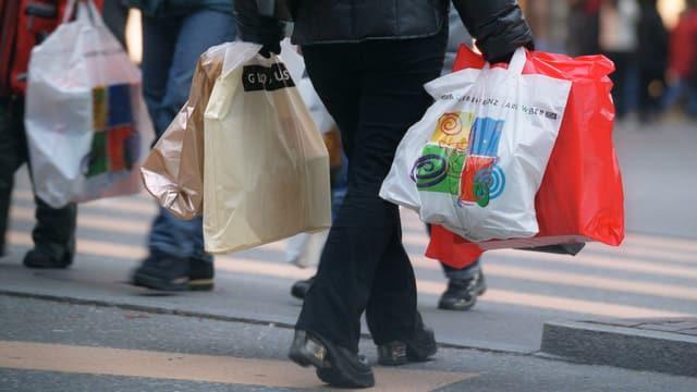 Video «Shopping rund um die Uhr?» abspielen