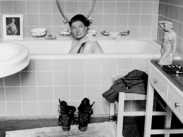In Hitlers Münchner Wohnung sitzt Lee Miller in der Badewanne – das wohl bekannteste Bild von ihr.