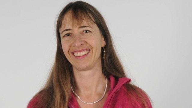 Porträt von Regula Hasler.