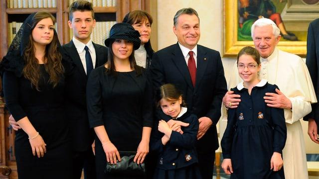 Orban mit seiner Famile.