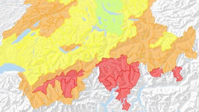 Schweizer Karte, Farben zeigen wo Waldbrandgefahr besteht.