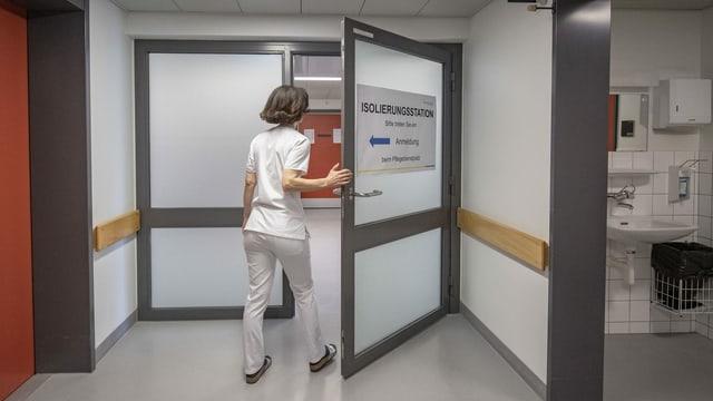 Eingang zur Coronavirus Isolierungsstation im Kantonsspital Luzern.