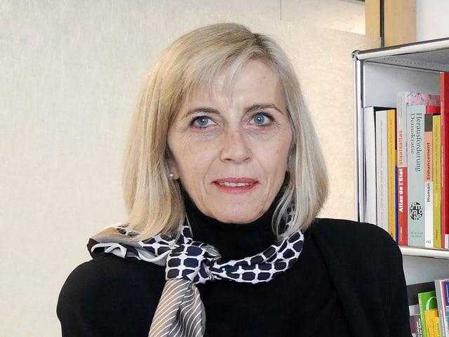 Porträt von Franziska Peterhans.