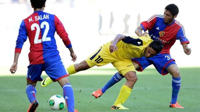 Die beiden FCB-Mittelfeldspieler Mohamed Salah und Mohamed Elneny.
