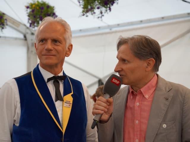 Interview im Festzelt.