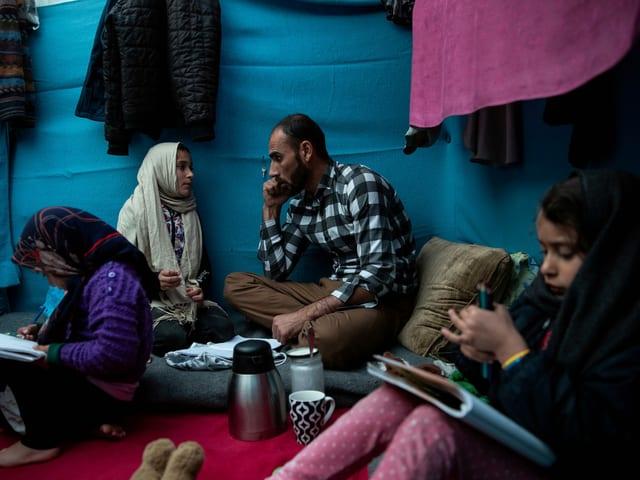 Flüchtlinge in Zelt