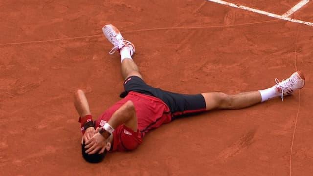 Djokovic liegend