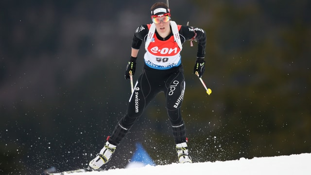 Lena Häcki im Sprint in Antholz