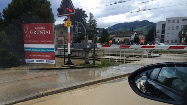In passadi da viafier a Genevra ch'è inundà.