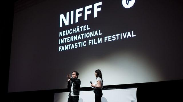 Ein Regisseur stellt am NIFFF 2016 seinen Film dem Publikum vor.