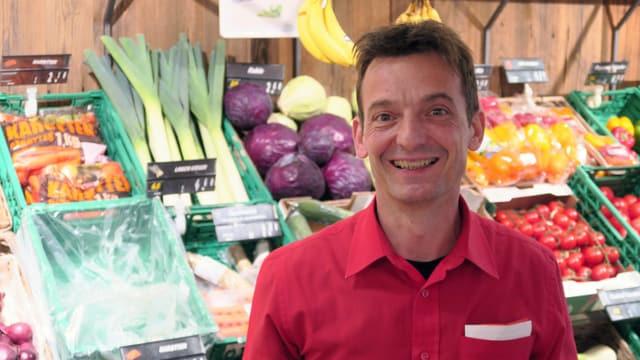 Porträt von David Arnold in seinem Lebensmittelgeschäft