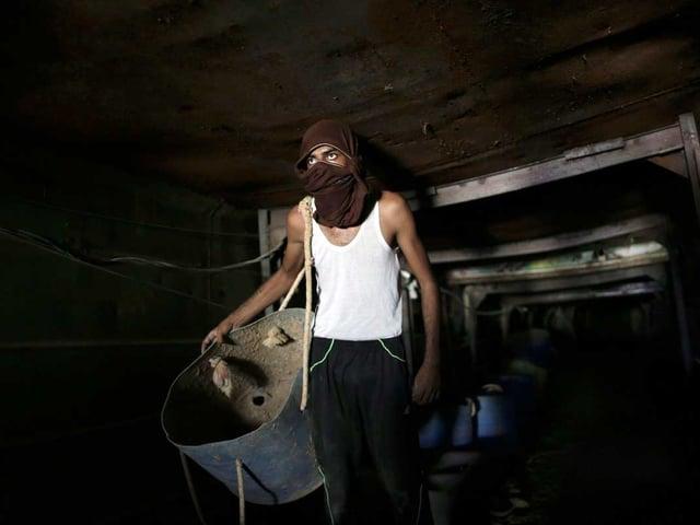 Palästinenser im Tunnel