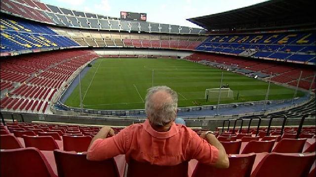 Joan Borràs sin sia plazza en il stadion dal Barça.