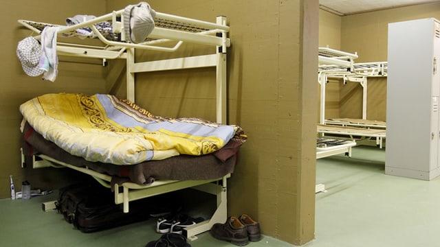 Bett eines Asylanten in einem Zentrum in Biel.