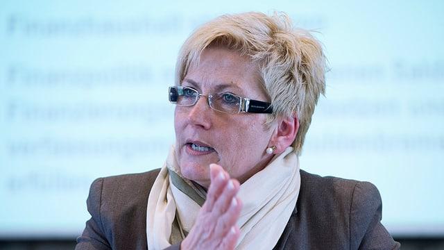 La directura da finanzas bernaisa Beatrice Simon vi dal discurrer.