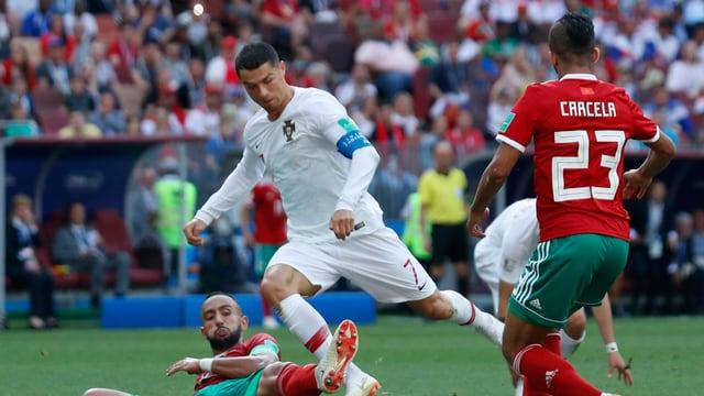 Cristiano Ronaldo vid il ball.