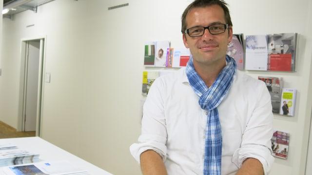 Marc Bühlmann in der Uni Bern.
