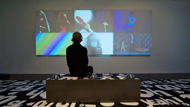 """Die Ausstellung """"Oh Yeah!"""" zeigt auch 42 Musikvideos aktueller Schweizer Künstler und Bands."""