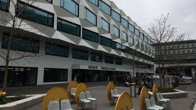 Hauptgebäude der Universität Luzern.