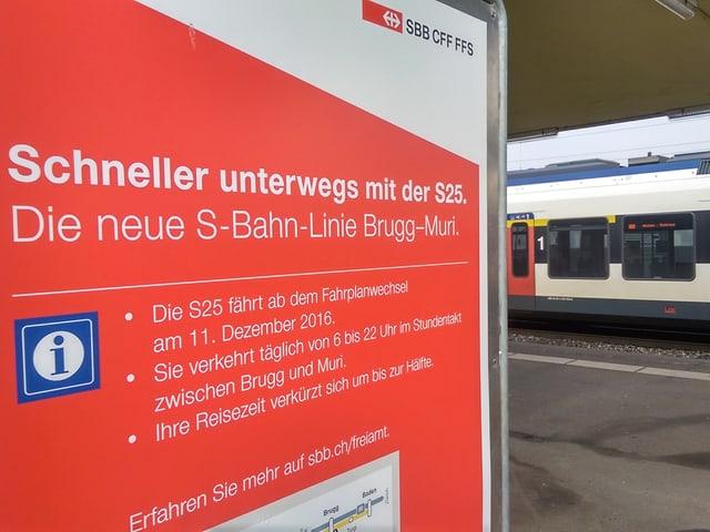 Plakat mit Informationen zur neuen S25.