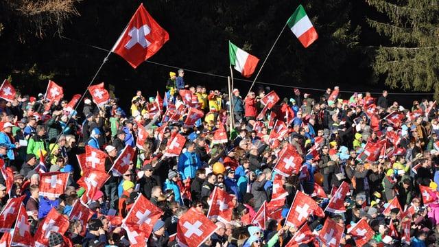 Blers èn vegnids a Lantsch per sustegnair las passlunghistas e passlunghists svizzers.