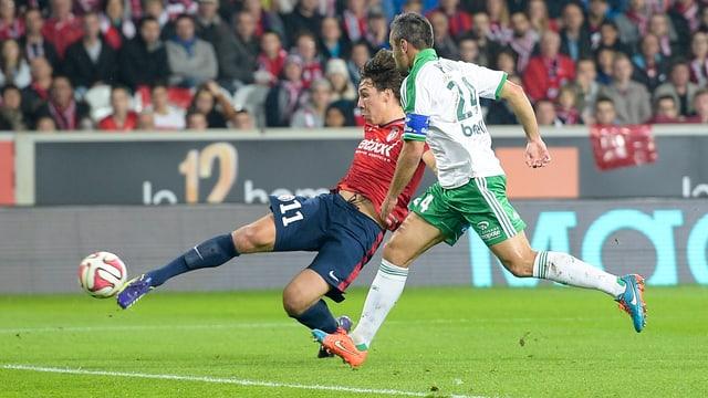 Michael Frey bringt Lille gegen St. Etienne in Führung.