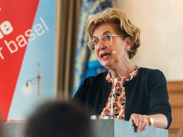 Andrea Schenker am Rednerpult
