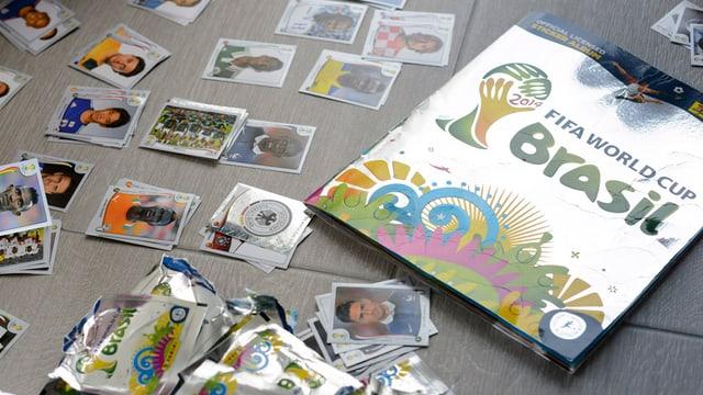 Paninibilder und das Paninialbum zur Fussbal-WM in Brasilien