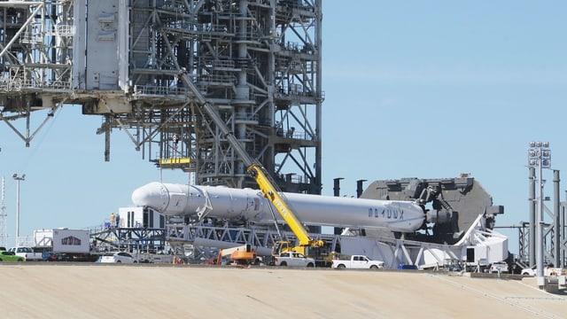 Zu sehen eine Rakete des Typs Falcon9 auf Cape Canaveral.