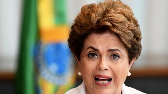 Dilma Rousseff durant la prelecziun da sia brev averta.
