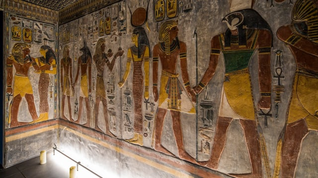 Nachgebaute Reliefs im Antikenmuseum.