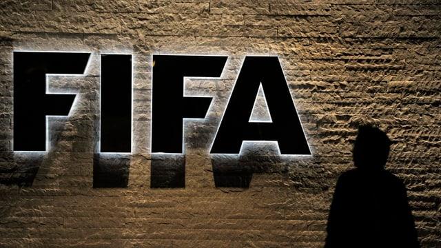 Ils 27 da matg eran 7 funcziunaris fa la FIFA vegnids arrestads a Turitg.