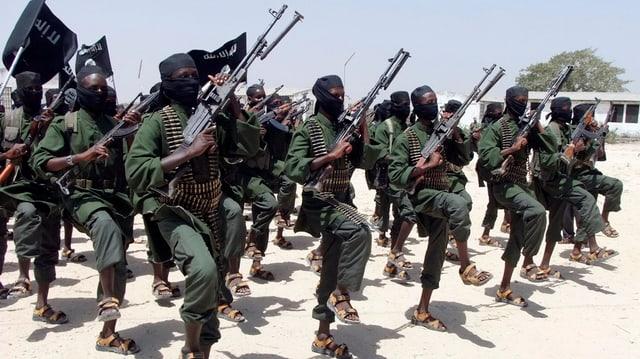 Cumbattants da la milissa radical-islama d'Al Shabab.
