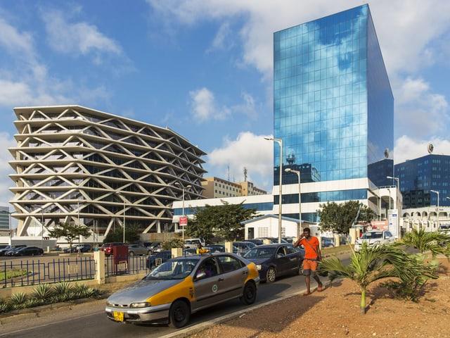 Hochhaus mit Glasfassade