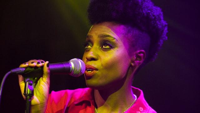 Sky Edwards - verwandelt Songs mit ihrer Stimme in pure Magie