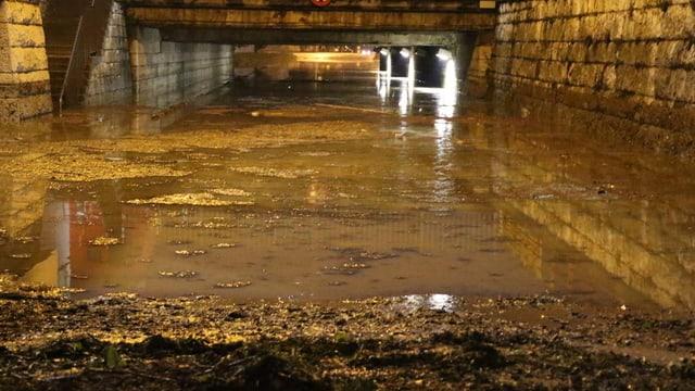 Eine Unterführung unter Wasser in Zofingen