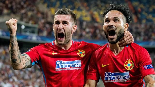 Die «Steaua»-Spieler Ovidiu Popescu (l.) und Junior Morais in den CL-Playoffs gegen Sporting Lissabon.