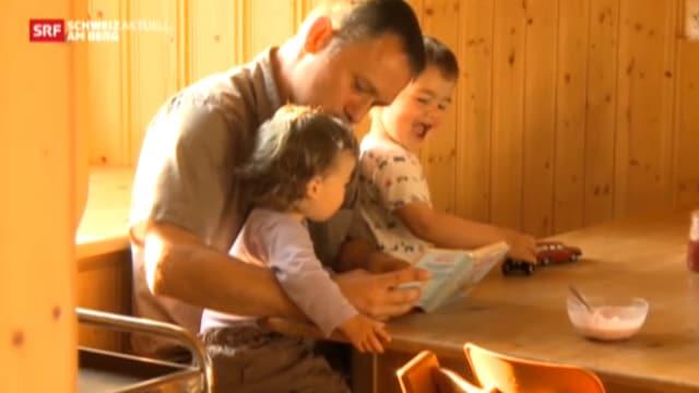 Video «Bono macht das Kindermädchen» abspielen